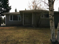 Bright, Spacious St. Albert Bungalow - Avail. July 1