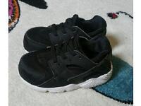 Nike huarache infant size 6.5