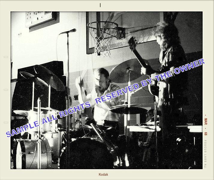 CREAM ERIC CLAPTON SNAPSHOT AT HIGH SCHOOL EARLY 1968 UNIQUE FANS SNAPSHOT RARE