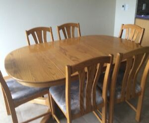 Solid oak dining room and kitchen table sets