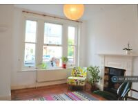 1 bedroom flat in Quernmore Road, London, N4 (1 bed) (#1130656)