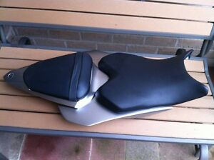YAMAHA R6 06-07 PARTING OUT IN SILVER Windsor Region Ontario image 4