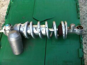 R1 YAMAHA 07-08 REAR SHOCK WITH LOW KMS Windsor Region Ontario image 4