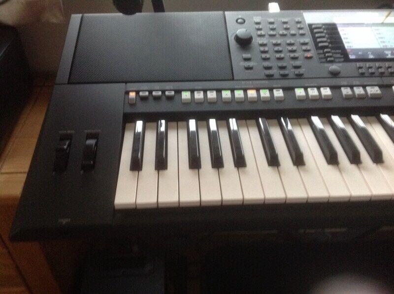 Yamaha PSR S950 keyboard Inc stand  VGC  | in Dalgety Bay, Fife | Gumtree