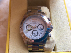 Invicta speedway chronographic 200 meter diverswatch really nice