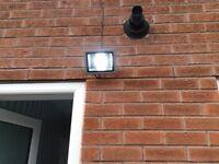 3x 30 watt external LED lights