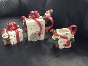 Fritz-Floyd 1992 Christmas present gift with elves teapot 3pc