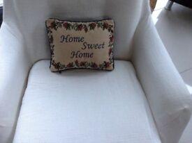 Beige/ blue home sweet home cushion
