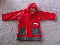 Raincoat. Disney cars. Size 4T *New