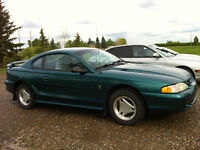 1996 Ford Mustang Coupe (2 door) great condition low km