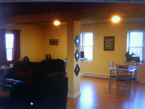 576 PRINCE STREET - 2 BEDROOM  APARTMENT DOWNTOWN TRURO