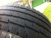 4 pneus h'iver 225/45/R18 kumho
