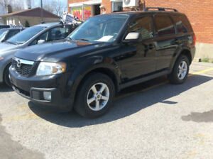 2009 Mazda Tribute Xxxtra clean bas millage VUS