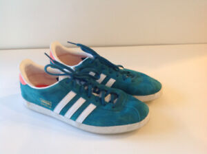 Men's Adidas Gazelle Suede Runners Size 8.5 Never worn outside