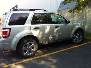 2009 Ford Escape XLT - 6 cylindre