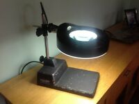 "Fluorescent Magnifier with base ""Oxford Precision """