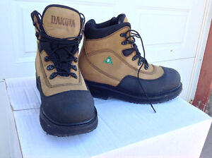 BRAND NEW SIZE 11 WORK BOOTS