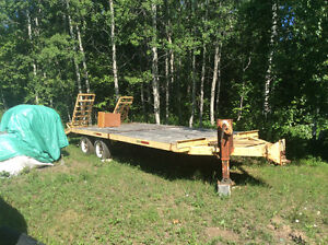 Heavy duty deck over  flat bed trailer