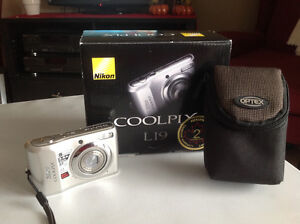 Nikon Coolpix L19  Camera for sale