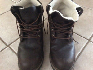"EUC men's size 11 dark brown timberland 6"" boots"