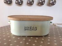 Kitchen Bread Bin