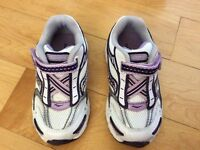 Brand new little girls Saucony sneakers size 6