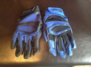 Cutters Football Gloves - Youth Small