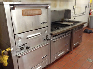 Garland Hotel Series stove set with double oven will split