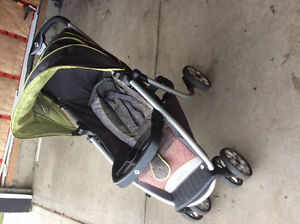 Selling saftey first stroller and car seat with base Strathcona County Edmonton Area image 1