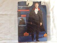 Men's Halloween Vampire Costume Size large