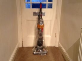 Dyson dc18 slim very good suction includes correct Dyson multi tool