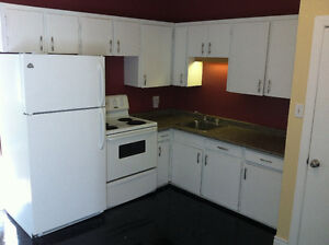 Avail today, grnd floor 2br, NG, wash/dry, pet friendly, non smo
