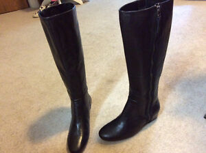 Nine West Genuine Leather Boots (Size 6) London Ontario image 1