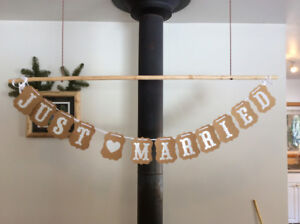 """Wedding Decorations - cute """"Just Married"""" sign"""