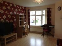 Three beds semi detached house to let