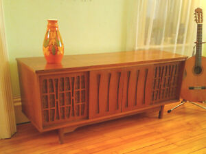 1970's Morse Stereophonic High Fidelity Console Stereo