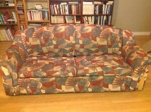 Divan-lit et fauteuil