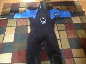 Scuba diving drysuit Bare D7