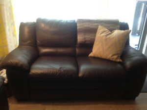 Sofa ou causeuse, 2 places en cuir véritable,