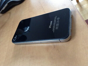 iPhone 4s 16gb Perfect Condition- Comes with a case Kitchener / Waterloo Kitchener Area image 3