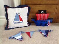 Nautical room accessories