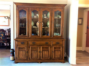 ETHAN ALLEN ROYAL CHARTER OAK CHINA CABINET