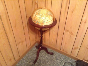 Free standing Globe. Great for office or den.