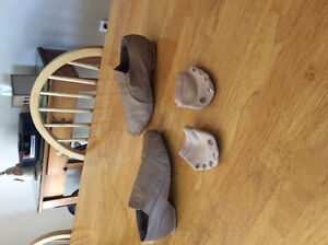 Girls size 6 dance shoes and lyrical dance paws