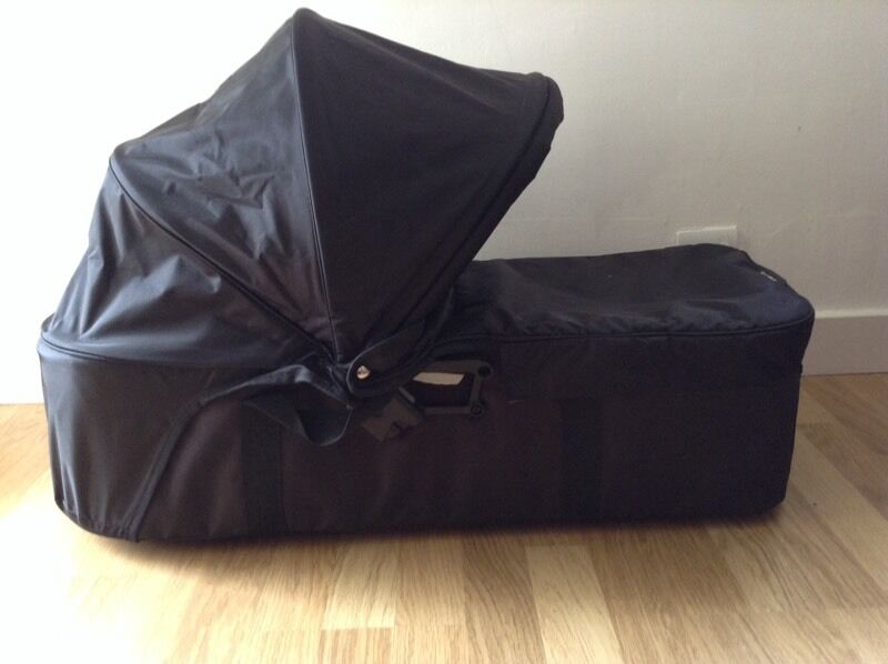 Baby Jogger Compact Carrycot Pram top bassinet black fits city mini 3 4 double GT Summit Elitein Jordanhill, GlasgowGumtree - Baby Jogger Compact Carrycot Pram top bassinet black fits city mini 3 4 double GT Summit Elitein excellent condition.Compatible with Baby Jogger City Mini 3 wheel, City Mini 4 wheel, City Mini GT, City Mini Double, City Mini Double GT, City Elite and...