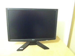 """Monitor Acer 19"""" Model: X193W lcd.In good condition."""