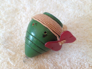"""VINTAGE DUNCAN """"HOOTER"""" WOOD SPIN TOP TOY(Circa1960's)"""