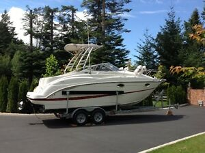 2005 Maxum 2500SE with 135 hours in excellent condition, $58,950