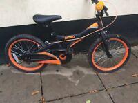 Boy's bike, age 5 upwards.