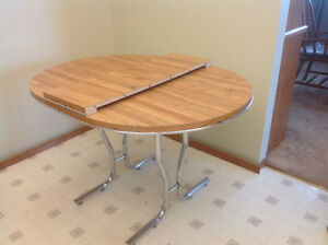 Sturdy Kitchen Table with leaf in Creston